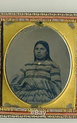 ANTIQUE TINTYPE PHOTOGRAPH NATIVE AMERICAN INDIAN WOMAN Guttapercha