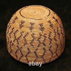 An Antique Yokuts Native American Polychrome Bottleneck Basket 5 5/4h x 7d