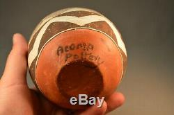Antique 100 Year old Acoma Polychrome Native American Pot. Great Condition 4