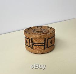 Antique Native American Indian Northwest Coast Tlingit Alaska Rattle Top Basket
