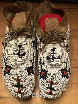 Antique Native American Plains Indian Beaded Moccasins