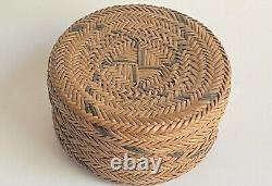 Antique Whirling Log Native American Woven Basket With Lid 1900-1920