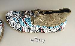 Antique ca. 1900 Pair Sioux Plains Native American Indian Beaded Hide Moccasins
