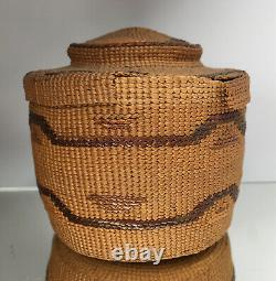 FINE NW Coast Tlingit Rattle Top Basket Native American Lidded Antique 19th C