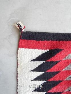 VINTAGE NAVAJO INDIAN TOHOTCHI EYE DAZZLER RUG / WEAVING WithORIG TRADING POST TAG