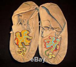 Vintage Antique Native American Indian Beaded Moccasins