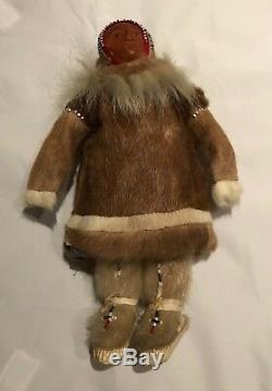 Vintage Inuit / Eskimo / Yup'ik Dolls Pair man and woman