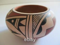 Vintage Native American Indian Tribal Pot Pottery Painting Bowl Vase Sculpture